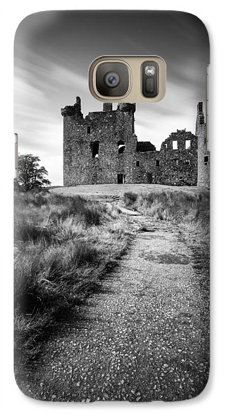 Path To Kilchurn Castle Galaxy S7 Case by Dave Bowman