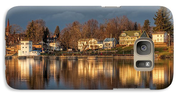 Reflection Of A Village - Phoenix Ny Galaxy S7 Case by Everet Regal