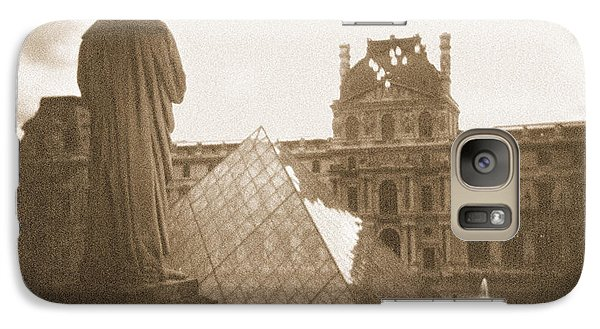 A Walk Through Paris 16 Galaxy Case by Mike McGlothlen