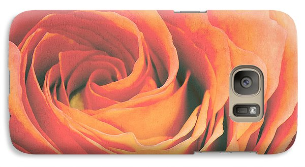 Le Petale De Rose Galaxy S7 Case by Angela Doelling AD DESIGN Photo and PhotoArt