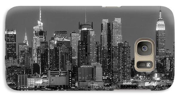Manhattan Twilight Iv Galaxy Case by Clarence Holmes