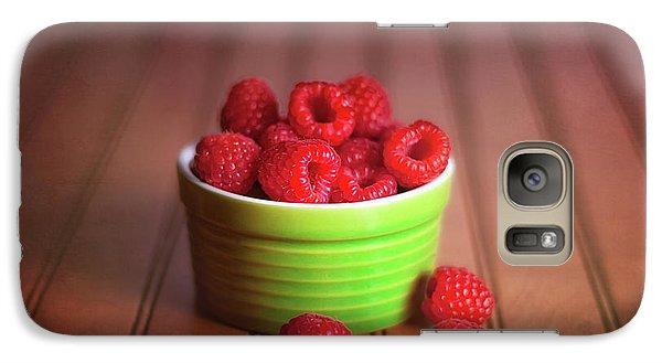 Red Raspberries Still Life Galaxy S7 Case by Tom Mc Nemar