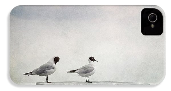 Seagulls IPhone 4 / 4s Case by Priska Wettstein