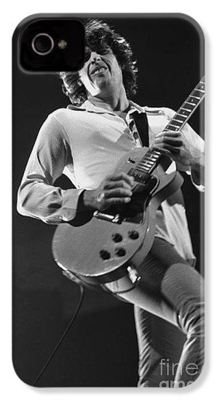 Stone Temple Pilots - Dean Deleo IPhone 4 / 4s Case by Concert Photos