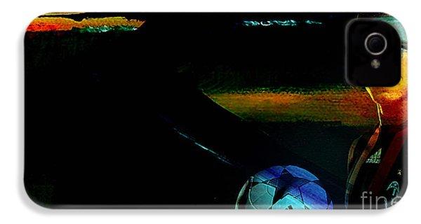 David Beckham IPhone 4 / 4s Case by Marvin Blaine
