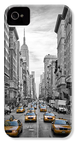 5th Avenue Yellow Cabs IPhone 4 / 4s Case by Melanie Viola