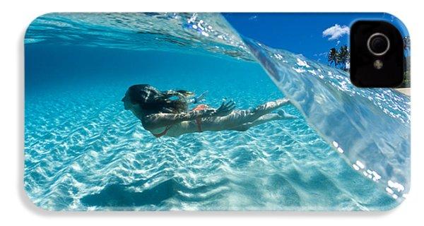 Aqua Dive IPhone 4 / 4s Case by Sean Davey