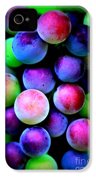 Colorful Grapes - Digital Art IPhone 4 / 4s Case by Carol Groenen