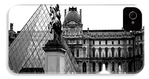 Paris Black And White Photography - Louvre Museum Pyramid Black White Architecture Landmark IPhone 4 / 4s Case by Kathy Fornal