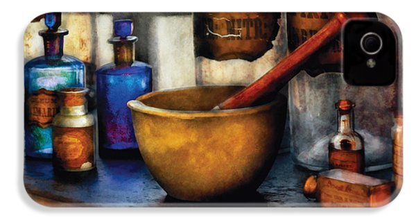 Pharmacist - Mortar And Pestle IPhone 4 / 4s Case by Mike Savad