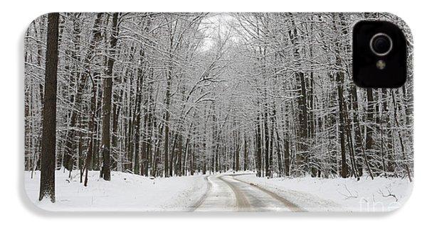 Snowy Road In Oak Openings 7058 IPhone 4 / 4s Case by Jack Schultz