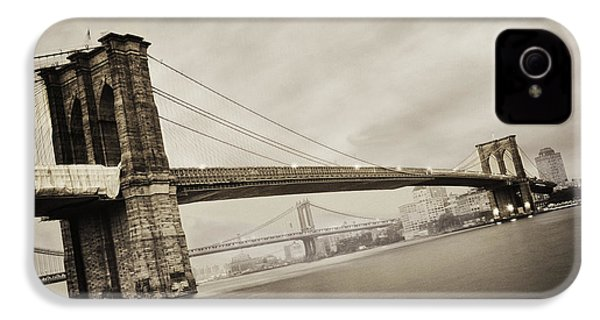 The Brooklyn Bridge IPhone 4 / 4s Case by Eli Katz