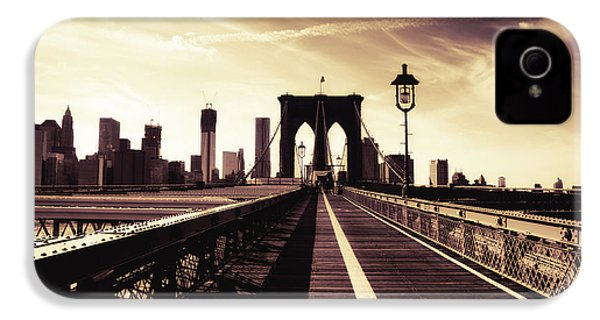 The Brooklyn Bridge - New York City IPhone 4 / 4s Case by Vivienne Gucwa