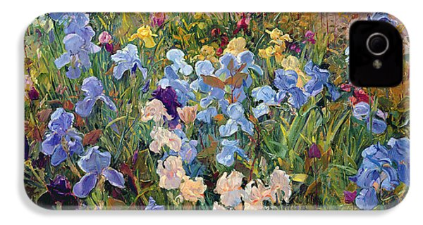 The Iris Bed IPhone 4 / 4s Case by Timothy Easton