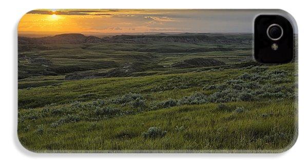 Sunset Over Killdeer Badlands IPhone 4 / 4s Case by Robert Postma