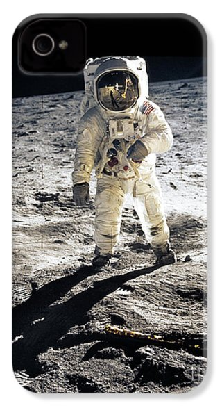 Astronaut IPhone 4 / 4s Case by Photo Researchers