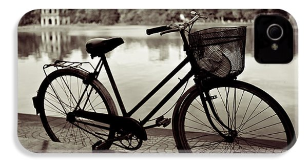 Bicycle By The Lake IPhone 4 / 4s Case by Dave Bowman