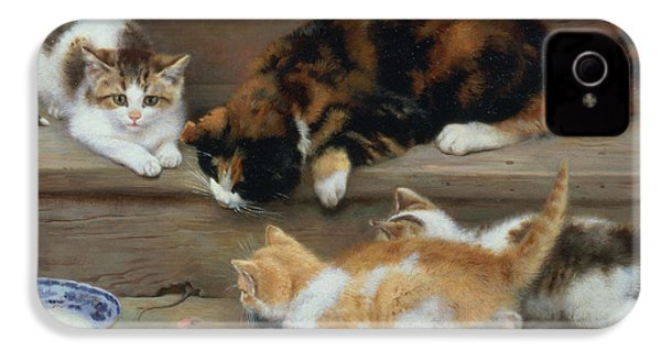Cat And Kittens Chasing A Mouse   IPhone 4 / 4s Case by Rosa Jameson