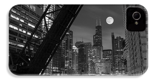 Chicago Pride Of Illinois IPhone 4 / 4s Case by Frozen in Time Fine Art Photography