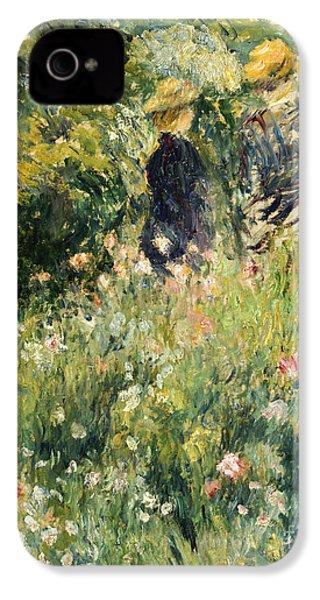 Conversation In A Rose Garden IPhone 4 / 4s Case by Pierre Auguste Renoir