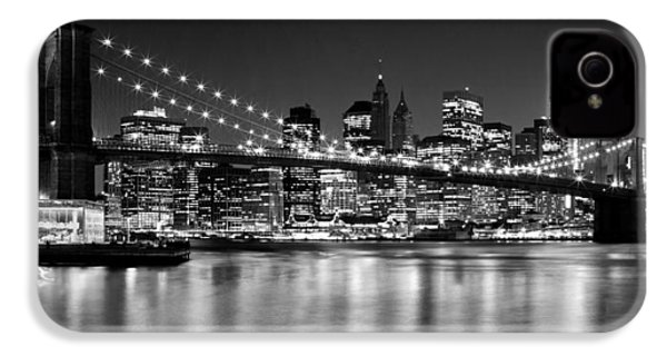 Night Skyline Manhattan Brooklyn Bridge Bw IPhone 4 / 4s Case by Melanie Viola