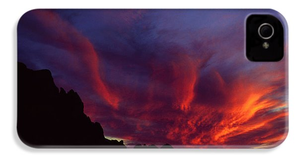 Phoenix Risen IPhone 4 / 4s Case by Randy Oberg