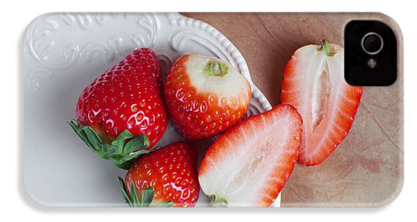 Strawberries From Above IPhone 4 / 4s Case by Tom Mc Nemar