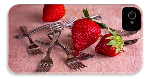 Strawberry Delight IPhone 4 / 4s Case by Tom Mc Nemar