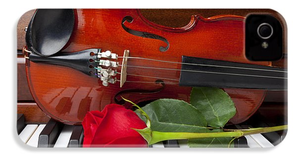 Violin With Rose On Piano IPhone 4 / 4s Case by Garry Gay