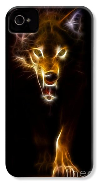Wolf Ready To Attack IPhone 4 / 4s Case by Pamela Johnson