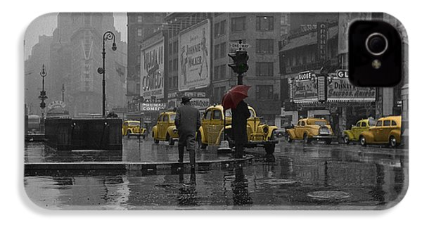 Yellow Cabs New York IPhone 4 / 4s Case by Andrew Fare