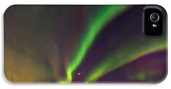 Discharging iPhone 5 Cases - Aurora Borealis, Lapland, Sweden iPhone 5 Case by Babak Tafreshi, Twan