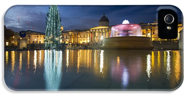 National Portrait Gallery iPhone 5 Cases - Christmas  Tree Trafalgar Square iPhone 5 Case by David French