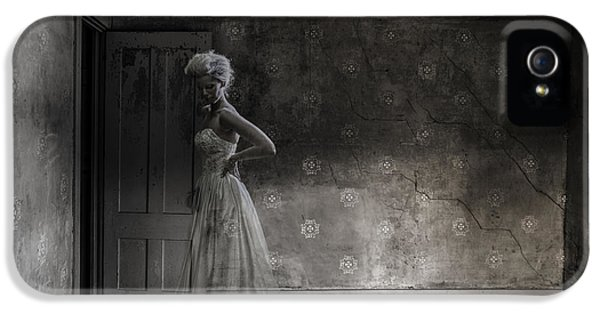 Ghost iPhone 5 Cases - Ghost Bride iPhone 5 Case by Diane Diederich