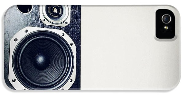 Acoustic iPhone 5 Cases - Speaker iPhone 5 Case by Les Cunliffe