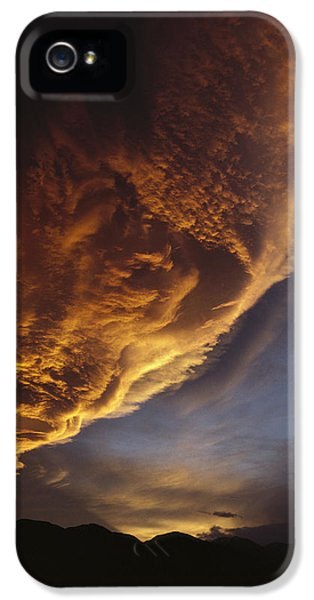 Sunset On Storm Clouds Near Mt Cook IPhone 5 / 5s Case by Ian Whitehouse