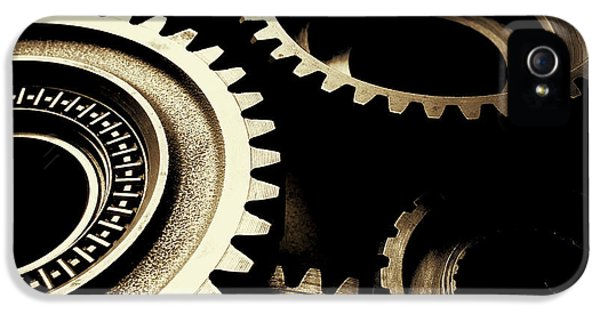 Cogs IPhone 5 / 5s Case by Les Cunliffe