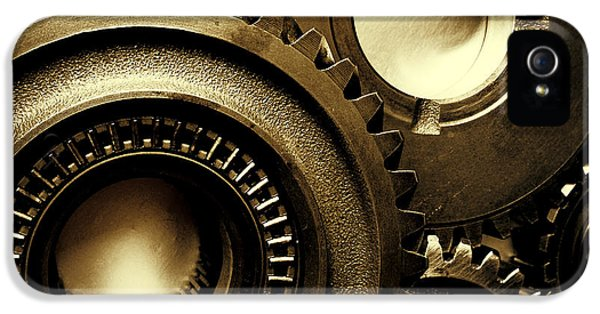 Transmission iPhone 5 Cases - Cogs iPhone 5 Case by Les Cunliffe