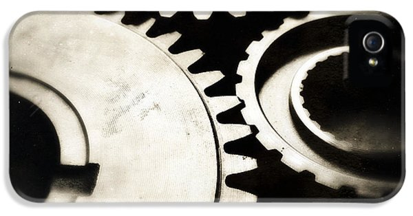 Cog iPhone 5 Cases - Cogs iPhone 5 Case by Les Cunliffe