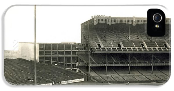 1923 Yankee Stadium IPhone 5 / 5s Case by Underwood Archives