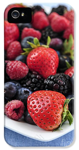 Assorted Fresh Berries IPhone 5 / 5s Case by Elena Elisseeva