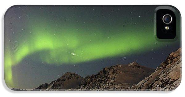 Discharging iPhone 5 Cases - Aurora Borealis, Norway iPhone 5 Case by Babak Tafreshi, Twan
