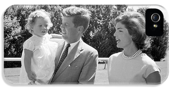 First Lady iPhone 5 Cases - John F. Kennedy with Jacqueline and Caroline 1959 iPhone 5 Case by The Phillip Harrington Collection