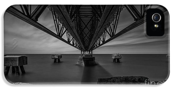 Under The Pier IPhone 5 / 5s Case by James Dean
