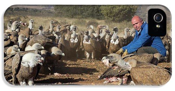 Griffon Vulture Conservation IPhone 5 / 5s Case by Nicolas Reusens