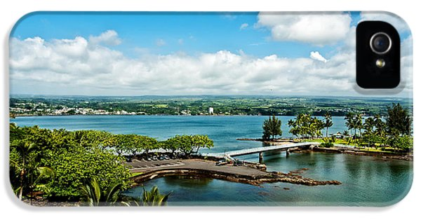 Ocular Perceptions iPhone 5 Cases - A Beautiful Day Over Hilo Bay iPhone 5 Case by Christopher Holmes