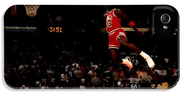 Pippen iPhone 5 Cases - Air Jordan in Flight iPhone 5 Case by Brian Reaves