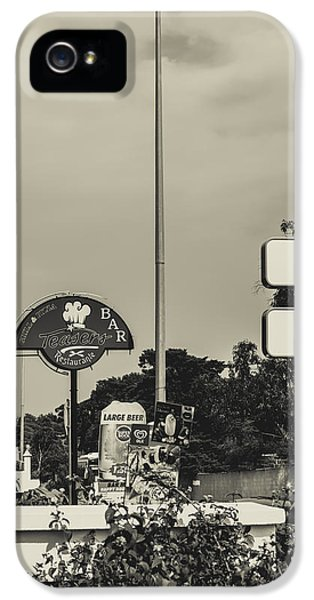 Ristorante iPhone 5 Cases - Albufeira Street Series - Teasers iPhone 5 Case by Marco Oliveira