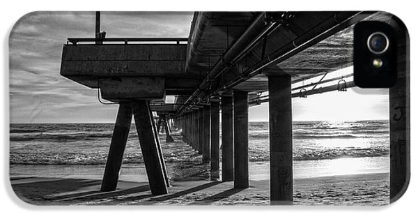 An Evening At Venice Beach Pier IPhone 5 / 5s Case by Ana V Ramirez