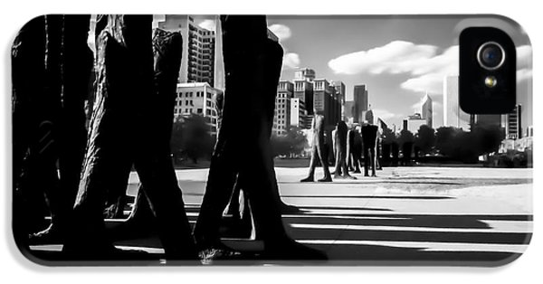 Michgan Avenue iPhone 5 Cases - An infrared look at Chicagos Agora  iPhone 5 Case by Sven Brogren